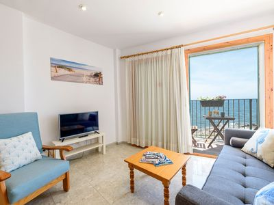 Photo for Beautiful Apartment with Terrace and Sea View; Parking Available