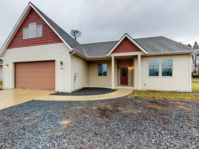 Photo for Cozy, dog-friendly home outside Sandpoint w/ deck & easy lake access!