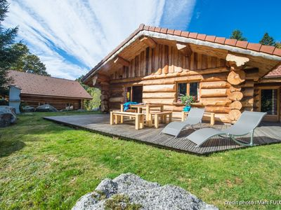 Photo for Beautiful log cabin of 65 m² in La Bresse, quiet, south facing terrace, pmr