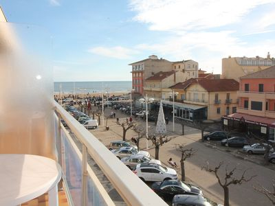 Photo for In the town center of Valras and 50m from the beach, beautiful air-conditioned studio with balcony. Ref. 2891