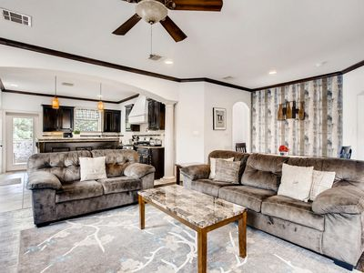 Photo for Spacious 4bdrm/4bath Home In Central Dallas 8 Beds - Thur/Sun Free this Weekend!