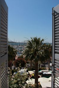 Photo for Superb duplex T3 overlooking the port, in the heart of Bandol, air conditioning / wifi