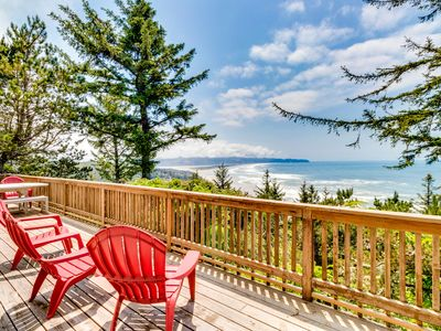 Photo for Beautiful home above Maxwell Point with huge balcony & stunning ocean views