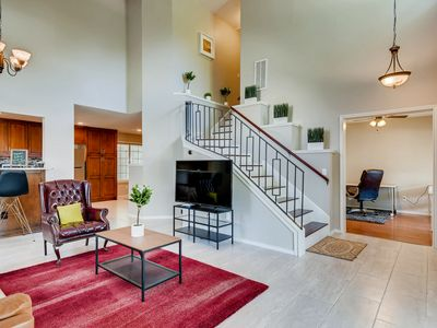 Photo for Large and Inviting 4 Bedroom Home in Southeast Austin