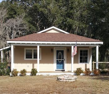 Photo for ~Marine Family's Retreat in Beaufort~3 BD~2 BATH~6.7 Miles to Parris Island~