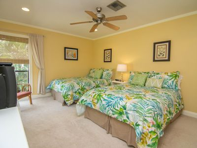 Photo for 2 bedroom, 2 bathroom, condo located in Blind Pass. 7 Night Min.