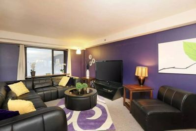 Open Living Room/Great Room, Perfect for Large Groups