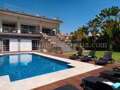 Photo for 6 bedroom Villa, sleeps 12 in Maspalomas with Pool and WiFi