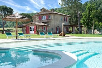 Photo for Deluxe Tuscan House+Magnificent Pool+ near beach+18 Persons direct from owner