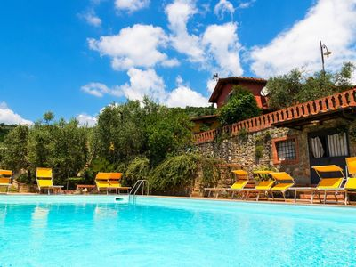 Photo for Cozy apartment in Tuscan farmhouse with pool and spa