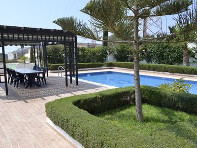Photo for Luxurious 4 Bedrooms Villa with Swimming Pool  T42035