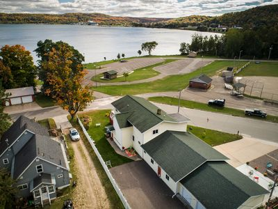 Photo for Comfortable family friendly situated on the shore of Munising Bay Lake Superior