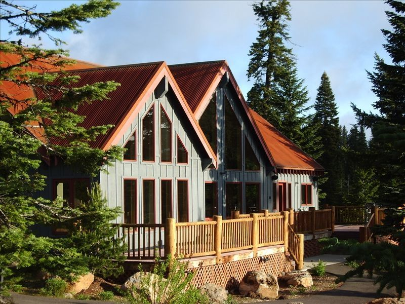 the in by side fire rental wonderland an a cabins vacation warm oregon facing cabin special rentals heron spring blue street water
