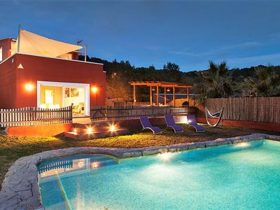 Photo for Villa Sitges El Olivo. With Garden and Pool XXL. 10 minutes from Sitges. A / C