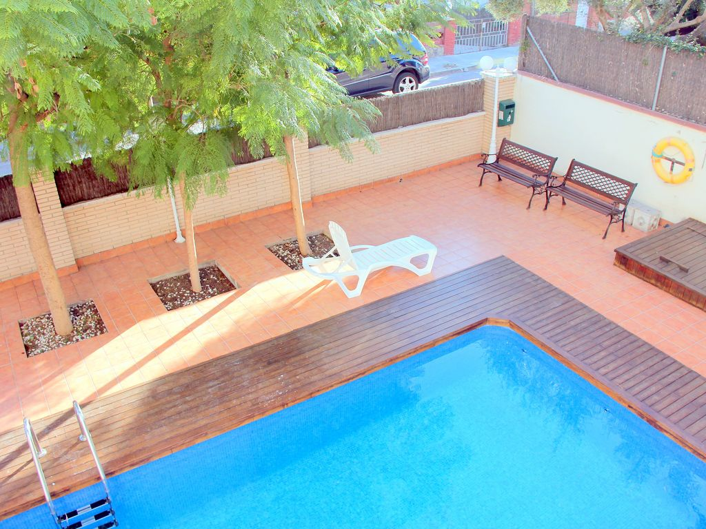 Modern apartments/ fully equipped, swimming pool, near ...