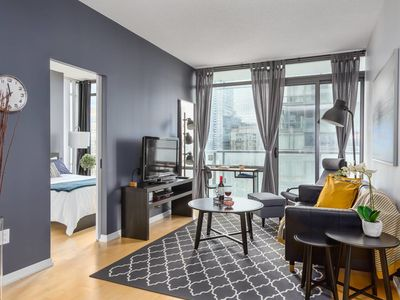 Photo for Luxurious 2-Bedroom Condo (Heart of Toronto)