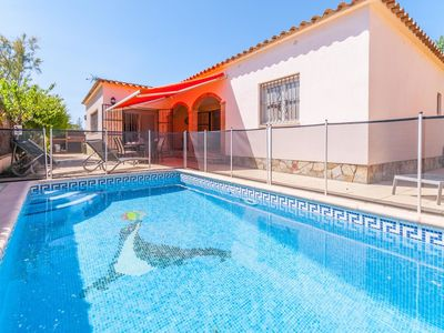 Photo for Stunning, detached holiday home with private swimming pool in quiet location