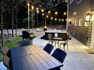 HotTub, Gas BBQ Grill, Outdoor Seating, Fire Pit. Horseshoe Pit, on 1/2 Acre Lot