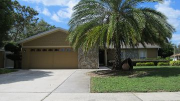 New 3 Bedroom 2 Bathroom Vacation Home In Orlando, Fl