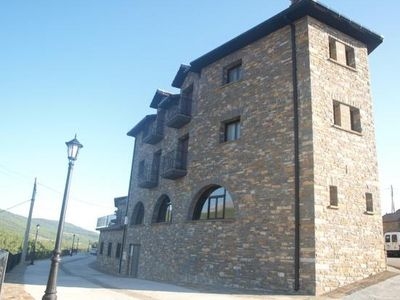 Photo for Apartamentos Pirineos Ordesa for 5 people
