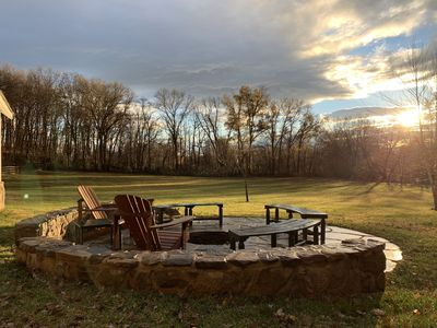 Beautiful Hunt Country 3 bedroom cottage with large deck and firepit on 3 acres