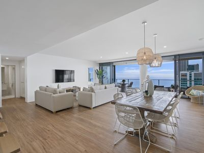 Photo for 4 Bedroom Sub-Penthouse with Ocean Views - GCLR
