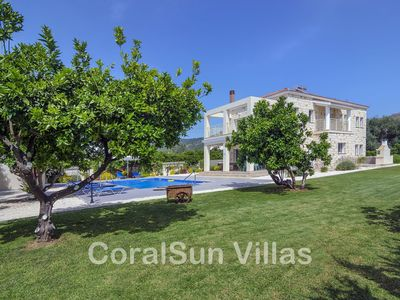 BEACH FRONT Stunning Villa, Large Garden & Pool, Privacy, Near to Amenities