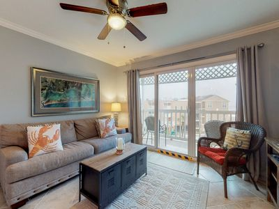 Photo for Oceanfront retreat w/ Gulf views and on-site pools, hot tub, tennis! Near beach!