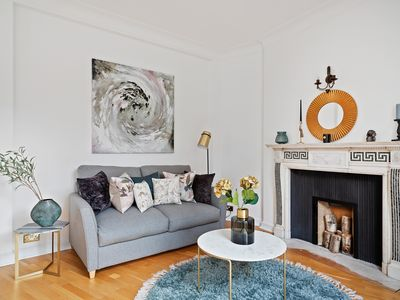 Photo for Stunning, Design 3 Bed Apartment next to Hyde Park