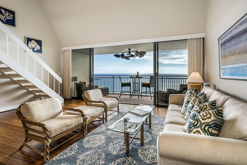 Ocean Front | AC | Fantastic Location - Walk To Kona Town | Starting at $229/night