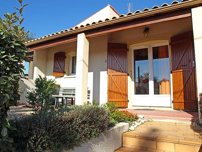 Photo for One bedroom Villa, sleeps 4 in Vaux-sur-Mer with WiFi