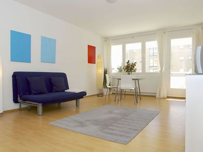 Photo for Spacious Lasker Schüler 010 apartment in Mitte - Tiergarten with WiFi, balcony & lift.