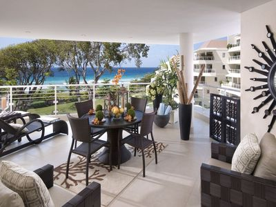 Photo for Palm Beach 405 - Elegant Beachfront Condo
