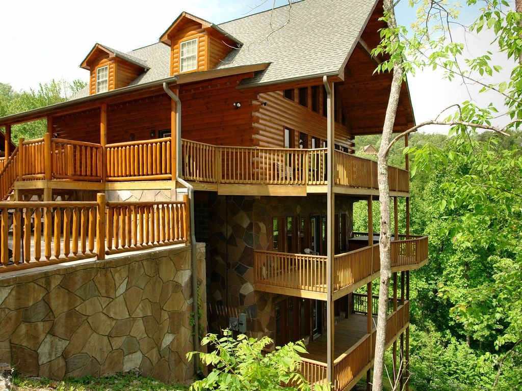 Gatlinburg cabin in the mountains redneck ritz 724 - 3 bedroom cabins in gatlinburg tn cheap ...