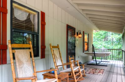 Unwind with a glass of sweet tea on the quaint wooden rocking chairs.