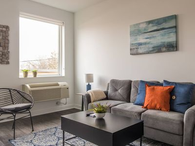 Photo for Charming + Open 1BR Apt in Macalester-Groveland