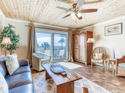 Photo for Renovated oceanfront villa with shared pool - close to beach!