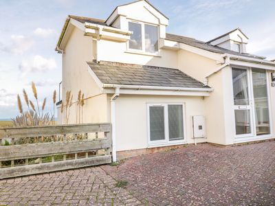 Photo for 6 THE WATERMARK, pet friendly, with a garden in Porth, Ref 998676