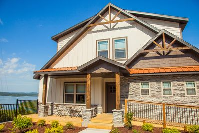 Your home away from home in Branson!  12 Bedrooms!