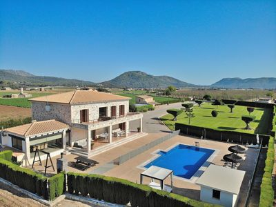 Photo for Rey del Campo Luxury villa with childproof pool in quiet location 140