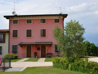 Photo for Holiday house lake Garda with panoramic view, 5km from Peschiera del Garda