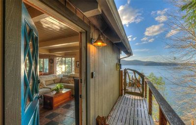 Photo for 3BR Cottage with Gorgeous Sunsets and Private Beach