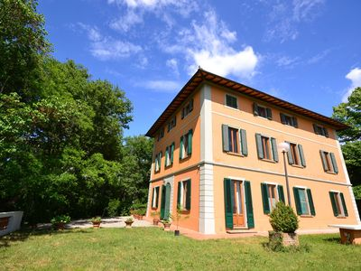 Photo for A part of a beautiful mansion with view of the Chianti Classico hills