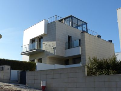 Photo for Villa on the heights, sea view, quiet, good exposure. 360 ° terrace.