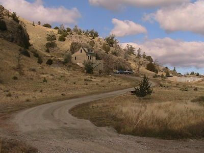 Photo for Cozy Guest House, Great Views Of Emigrant Peak, 10 Minutes to Chico Hot Springs