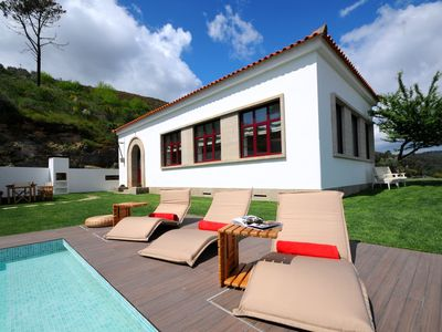 Photo for 4 bedroom Villa, sleeps 9 in Gouvães with Pool, Air Con and WiFi
