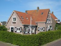 Friendly unobtrusive hosts who live in adjoining property.  Holiday accommodatio ...