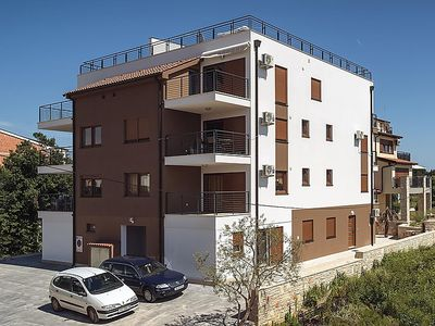 Photo for Apartment BROWN RADO  in Medulin, Istria - 6 persons, 2 bedrooms
