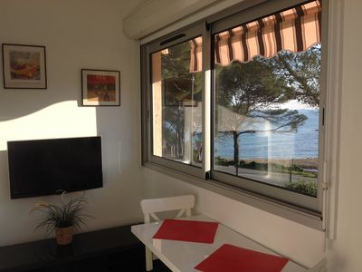 Photo for 2 bedroom apartment facing the sea / beach 50m