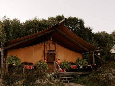 Red Feather Tent - The Meadows Tent Camp on 400 Acre Wooded Retreat